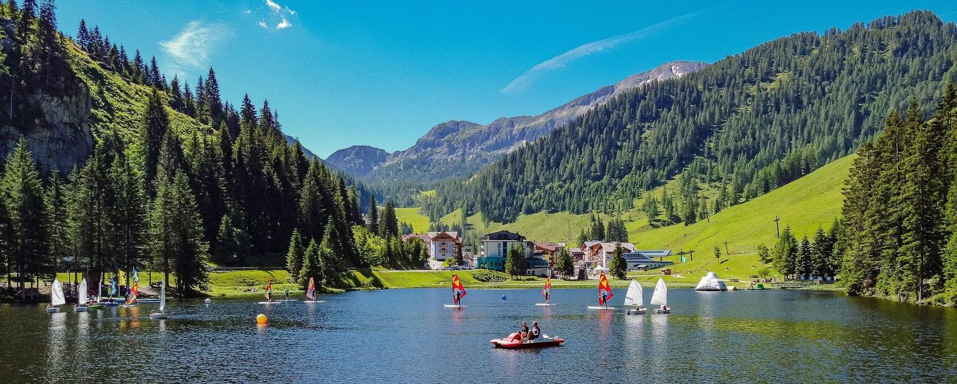 Summer Vacation Lake Hotel Sportwelt